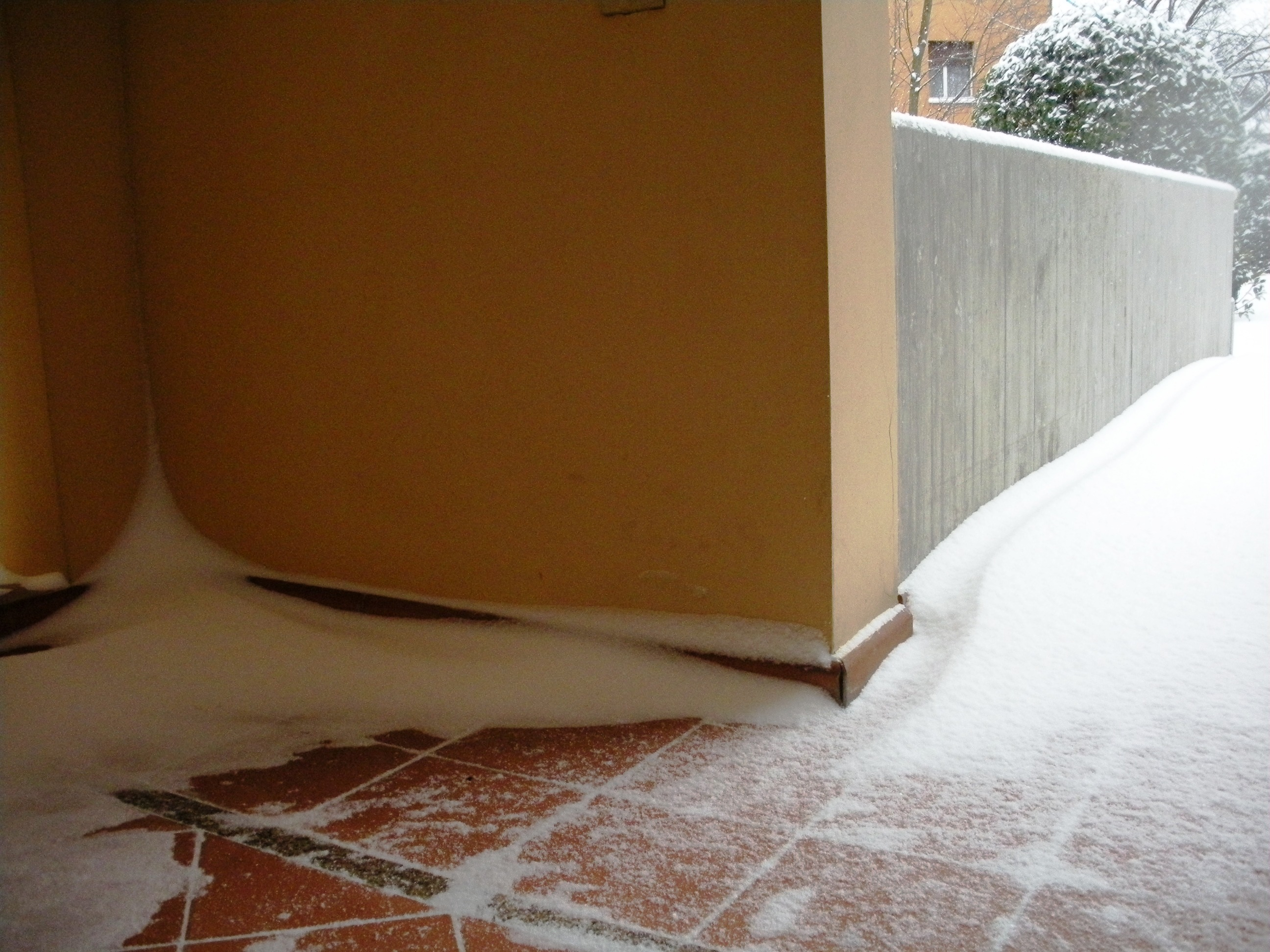 Clicca l'immagine per ingrandirla.  Nome: Nevicata 19 12 2009 (69).jpg Visualizzazioni: 105 Dimensione: 1.08 MB ID: 47987