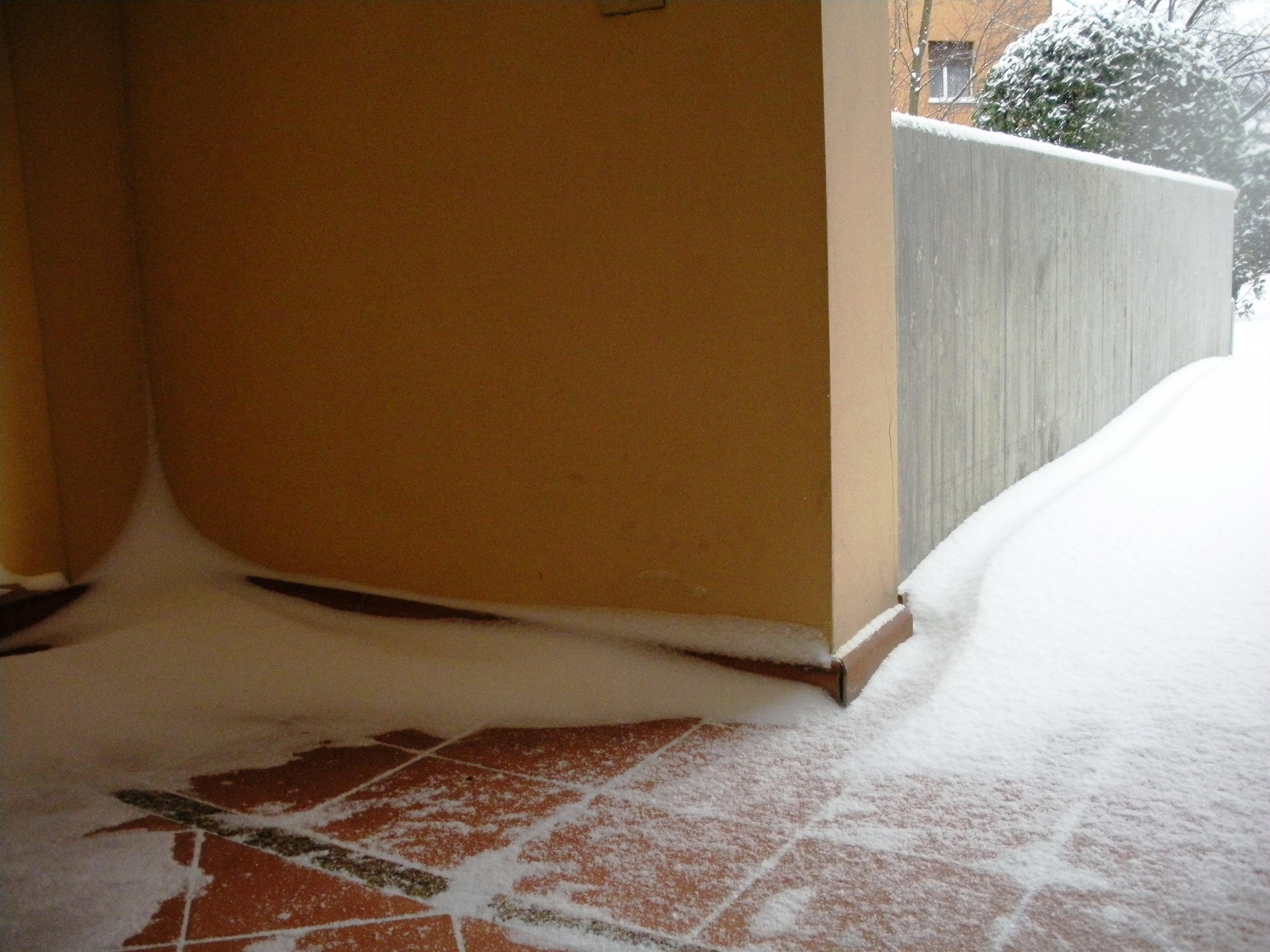 Clicca l'immagine per ingrandirla.  Nome: Nevicata 19 12 2009 (69).jpg Visualizzazioni: 108 Dimensione: 1.08 MB ID: 47987