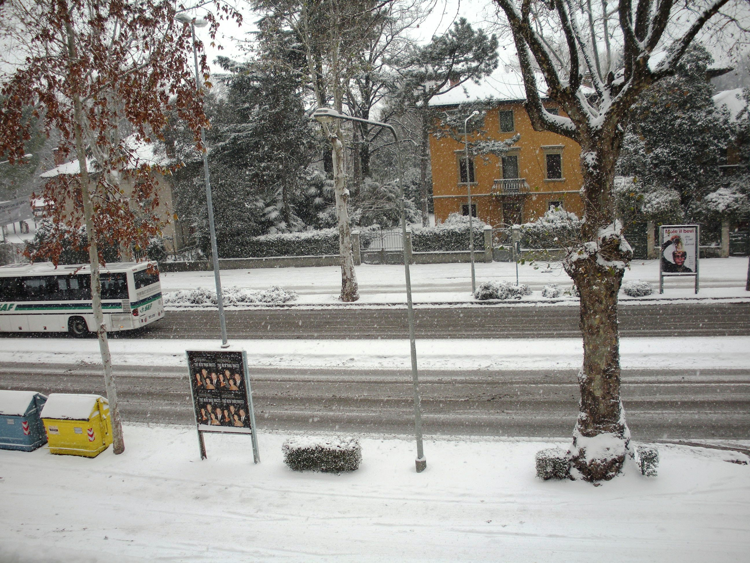 Clicca l'immagine per ingrandirla.  Nome: Nevicata 19 12 2009 (89).jpg Visualizzazioni: 117 Dimensione: 1.17 MB ID: 47988