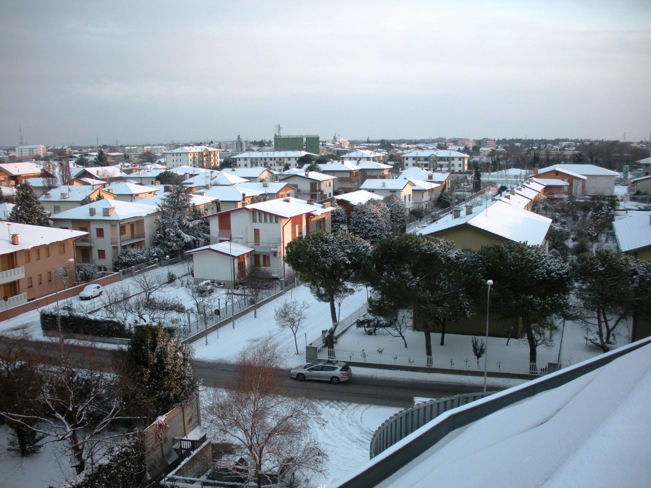 Clicca l'immagine per ingrandirla.  Nome: Nevicata 19 12 2009 (115).jpg Visualizzazioni: 100 Dimensione: 1,023.8 KB ID: 47989