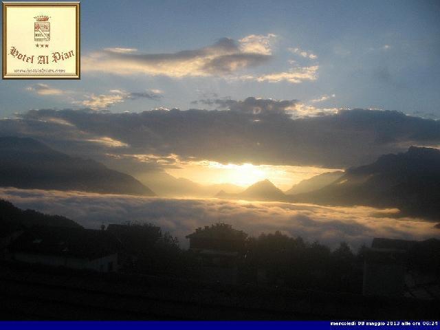 Clicca l'immagine per ingrandirla.  Nome: alba sulla Valsugana 8 maggio bis.jpg Visualizzazioni: 80 Dimensione: 29.3 KB ID: 30277