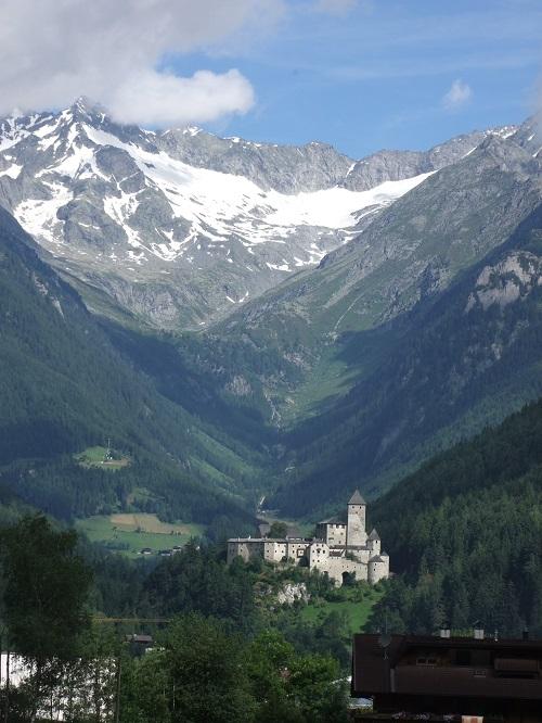 Clicca l'immagine per ingrandirla.  Nome: castello.jpg Visualizzazioni: 145 Dimensione: 151.5 KB ID: 81179